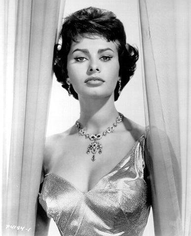 Black and White Photo of Italian Actress Sophia Loren