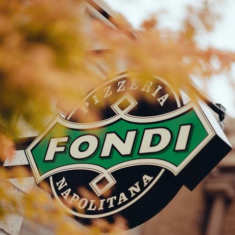 Outdoor sign of Fondi Pizzeria in Gig Harbor, WA